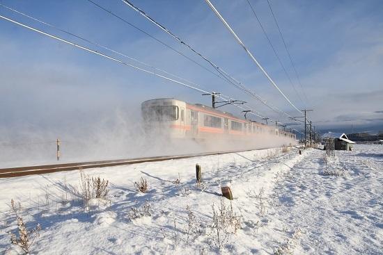 2020年12月31日撮影 中央西線 823M 313系 後撃ち 雪を舞い上げて