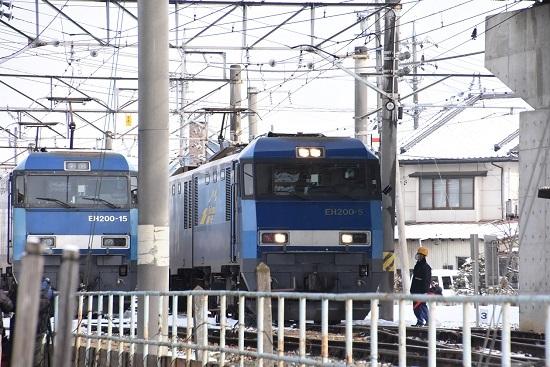 2021年1月3日撮影 篠ノ井出所にてEH200-15号機と5号機の並び
