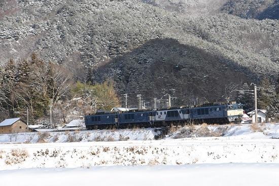 2021年1月3日撮影 8560レ EF64-4重連 雪山をバックに