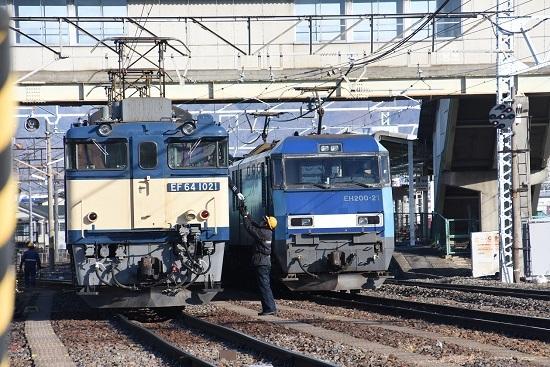 2021年1月4日撮影 南松本にて西線貨物8084レ EF64-1021+1033号機の機回し 4