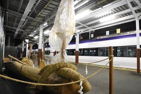2021年1月9日撮影 岡谷駅にて 回9476M E353系「あずさ87号」送り込み回送 御柱と