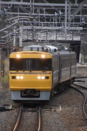 2021年4月4日撮影 贄川駅を発車して来るキヤ95 DR2編成