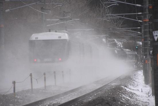 2021年1月9日撮影 1004M 383系 「WVしなの4号」雪を舞い上げて 後撃ち