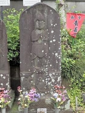 1柏市高柳1422の交差点1697年(二臂青面金剛)