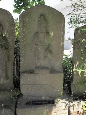 15松戸市上矢切の神明神社(二臂青面金剛)