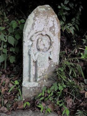 2滝神社入り口の庚申塔