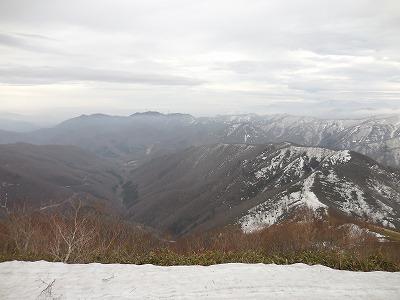 ⑨三国峠(右手前)と上信国境