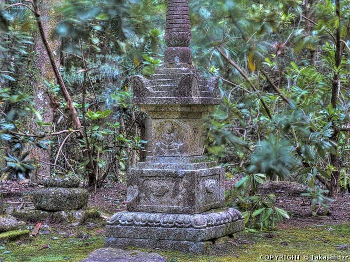 本山寺宝篋印塔