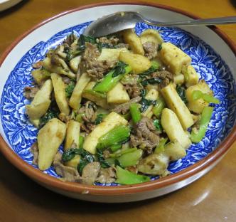 ヤマイモと野菜と肉炒め