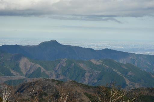 20201204・三頭山6-03・大岳山が見える