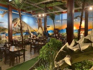 恐竜レストラン_08