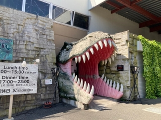 恐竜レストラン_02