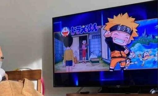 【悲報】 市川海老蔵の息子さん、巨大テレビで違法アップロードされたドラえもんを視聴してしまう………