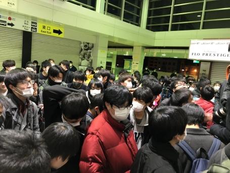 【動画】勝田駅に大集合したチー牛撮り鉄がブチギレ「下げろよ!!!!!」