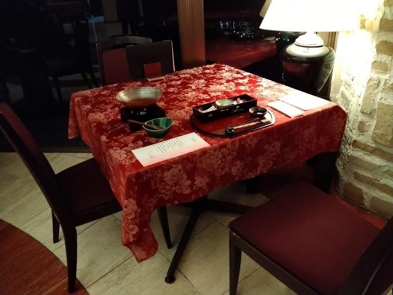 夕食 レストラン席