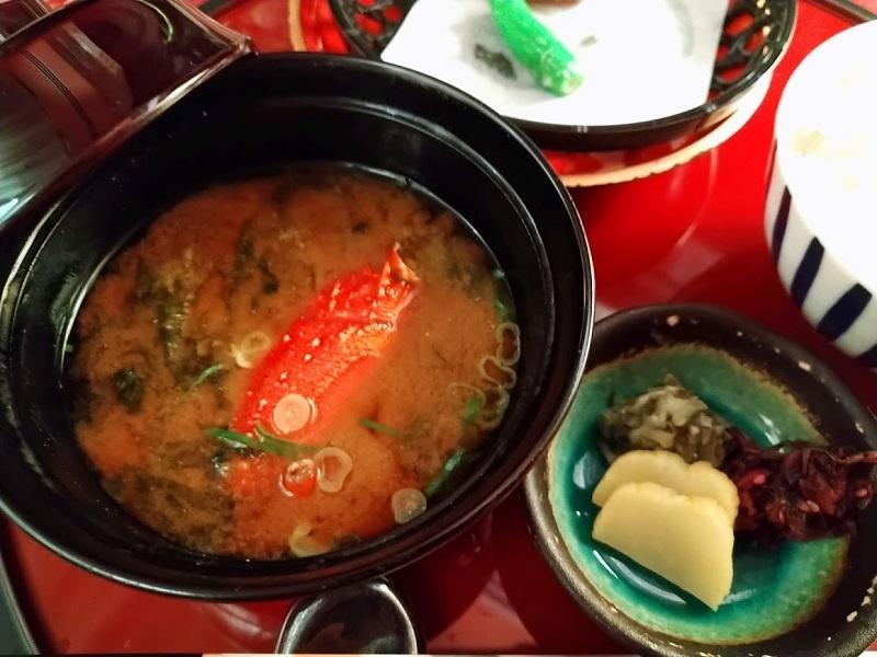 夕食留椀 イセエビの味噌汁