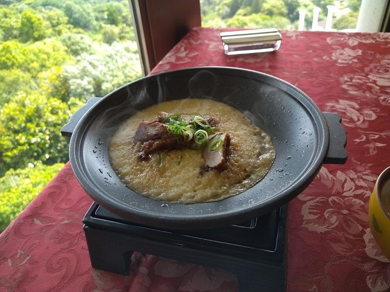 朝食 台物 豚角煮とろろ焼き