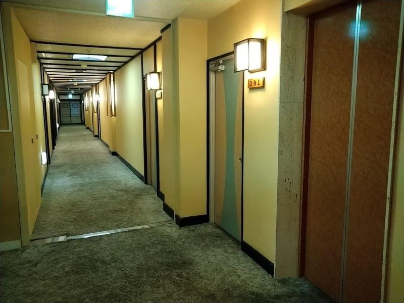 東館客室階廊下