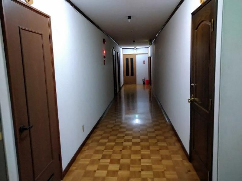 見市温泉旅館_客室階廊下