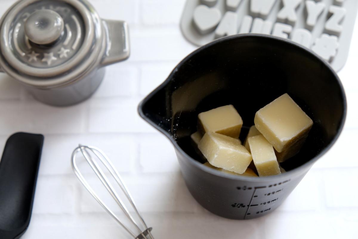 セリア・チョコやバターをレンジで溶かせるカップ①