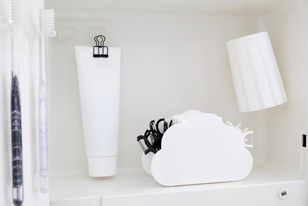 セリア・CLOUDRIES・小物スタンド・洗面所・洗面台扉中②