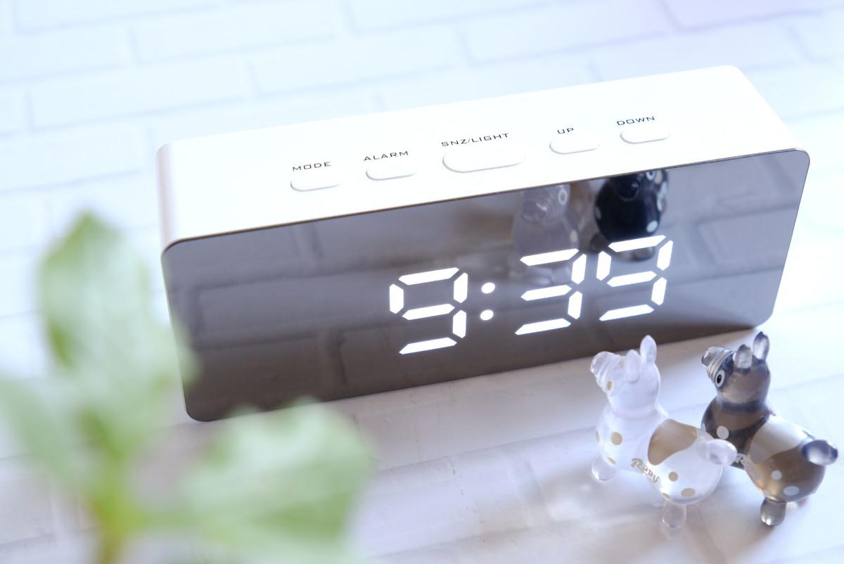 ダイソー・ミラーデジタル時計①