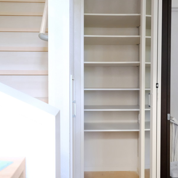 玄関収納全体・棚板増設①