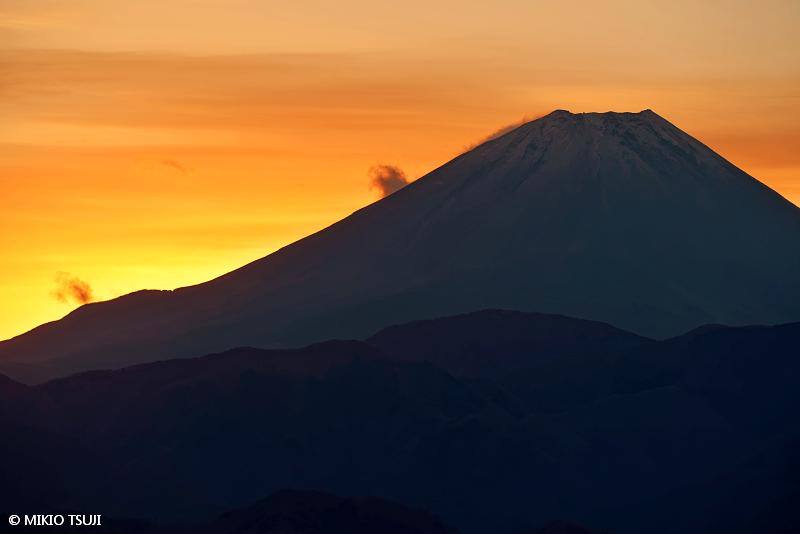 絶景探しの旅 - 絶景写真No.1547 朝焼けに燃ゆる富士山 (山梨県 富士川町)