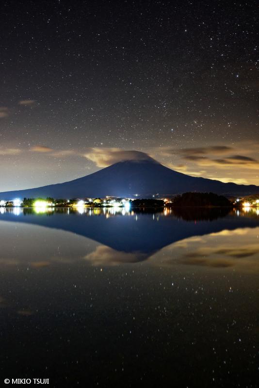 絶景探しの旅 - 絶景写真No.1552 銀河を航行する宇宙船 Fuji (河口湖/山梨県 富士河口湖町)