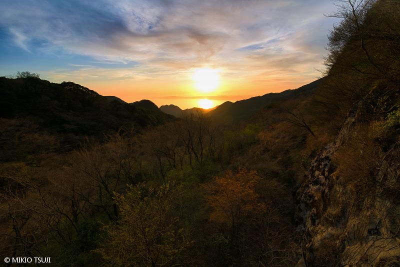 絶景探しの旅 - 絶景写真No.1639 吹越峠からの夕日の眺め (長崎県 雲仙市)