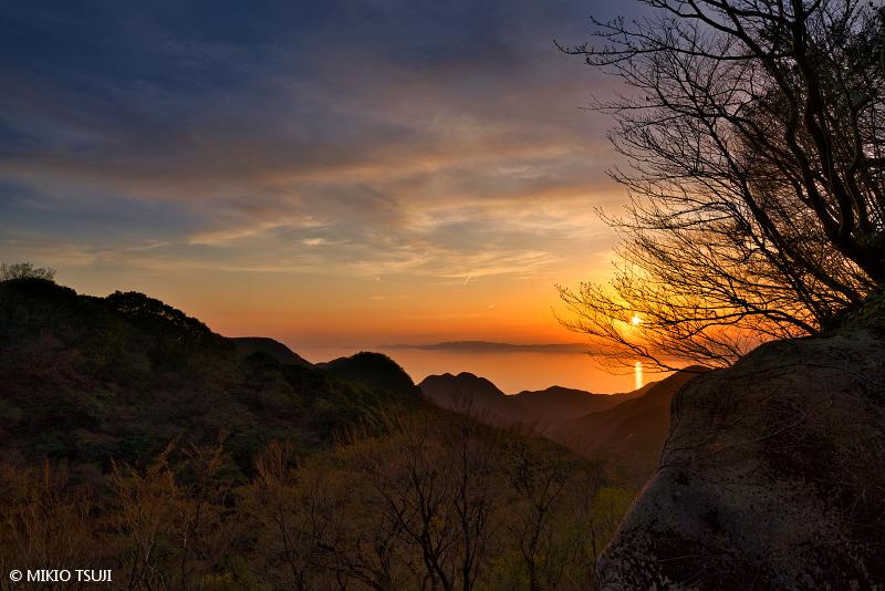 絶景探しの旅 - 絶景写真No.1640 長崎に日が沈む (長崎県 雲仙市)