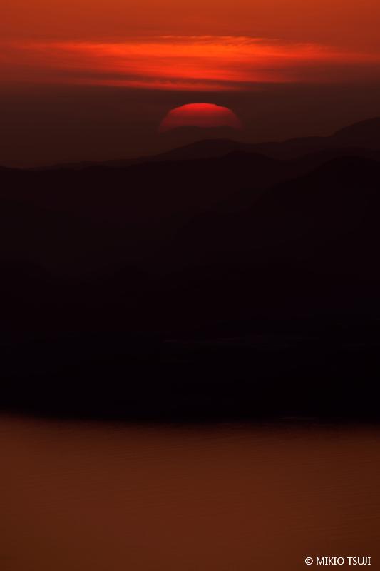 絶景探しの旅 - 絶景写真No.1646 赤の幻影 (長崎県 雲仙市)